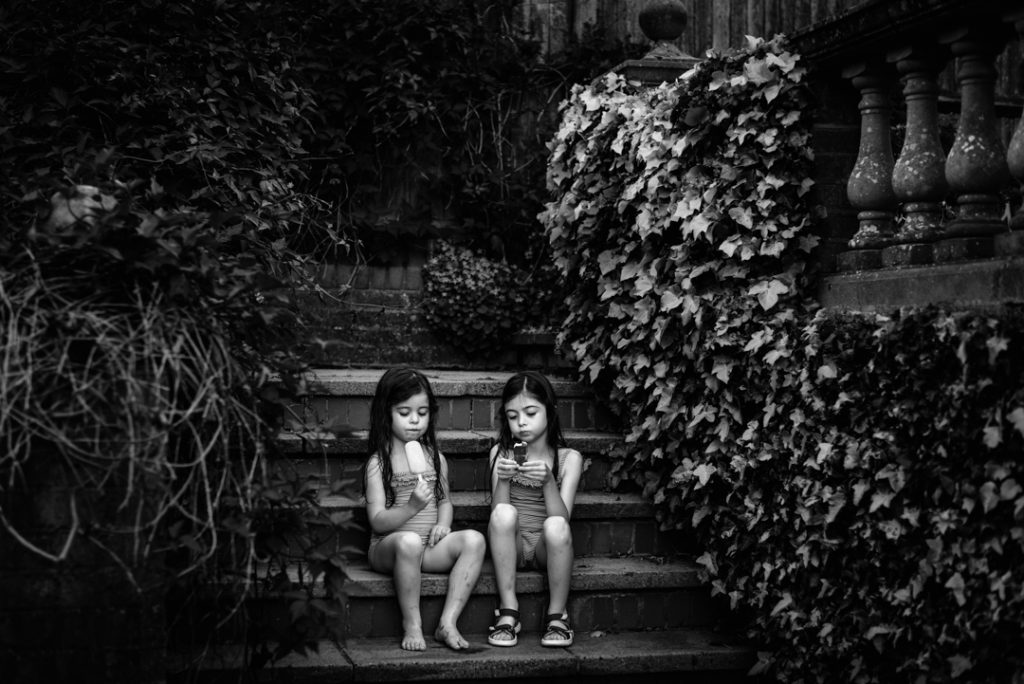 Amersham-Buckinghamshire-Hertfordshire-family-children-fine-art-black-and-white-photographer-4-1024x684.jpg